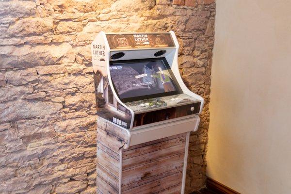 Gamification - Arcadebau - Foto Retro Spielekonsole für Luther Game